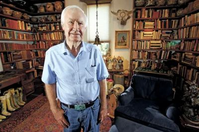 Forrest Fenn poses at his Santa Fe, N.M., home