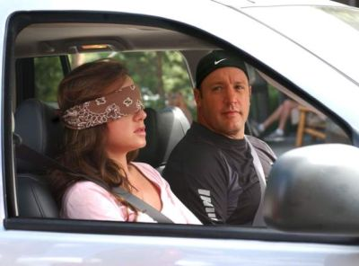Doug (Kevin James) and Carrie (Leah Remini) in the sixth-season of THE KING OF QUEENS